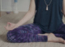 Meditationssitz, Meditation, Anjali Yoga und Kunst, Kreativität, Gießen, Yin Yoga, Entspannung, Mudra, Om, Namaste