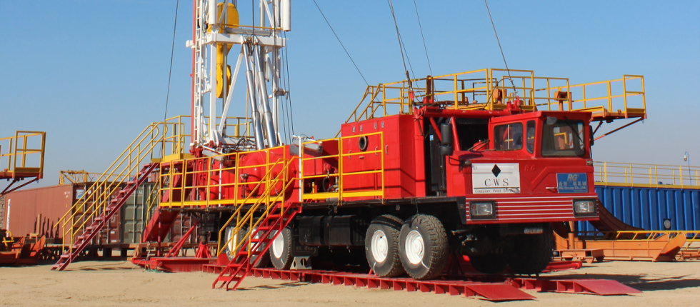 Workover service rigs and related