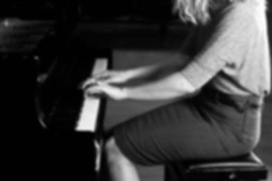 KateAnderson-Piano-Shoot-22.jpg