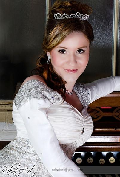 Bridal_White_Dress_5.jpg
