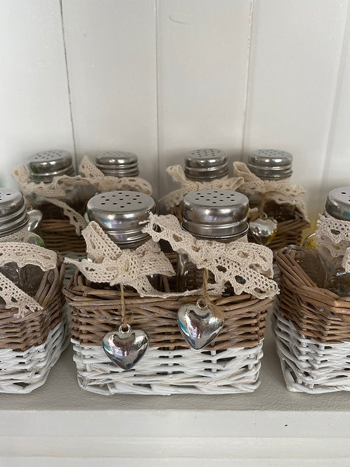 Lace and Basket Salt&Pepper Shakers