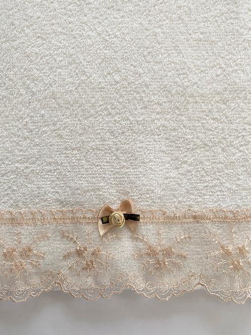 Cream Dantelle Towel