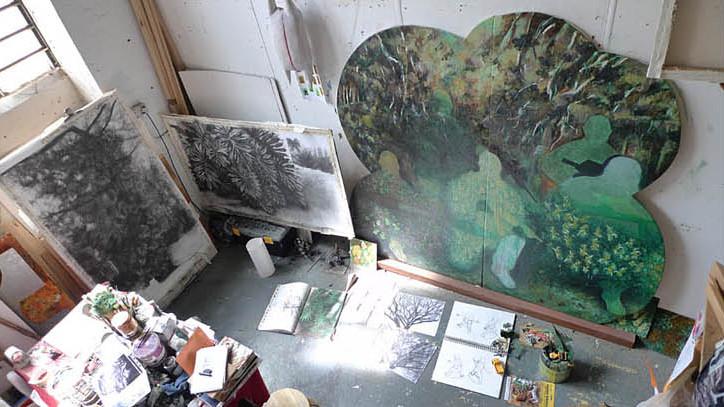 Renata Fernandez. Studio view