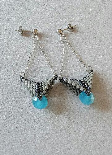 Arrowhead earrings (gunmetal iris, aqua, gray)