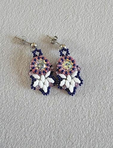 Flutter earrings (navy, white, light amethyst)