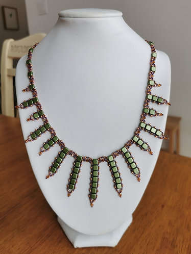 Gl'amour necklace (green, purple and topaz)