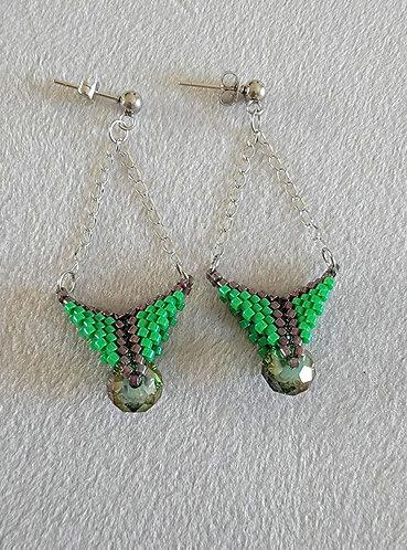 Arrowhead earrings (green and maroon)