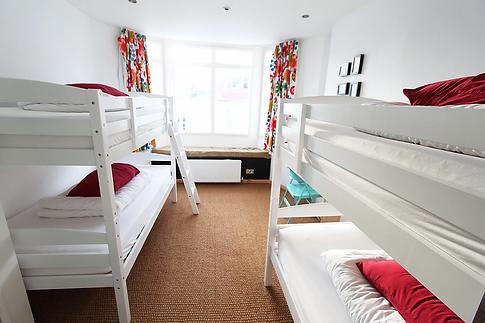4 bed.jpg.webp