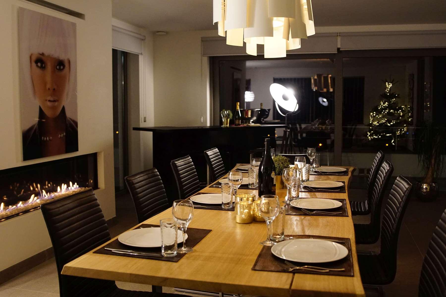 Salle à manger et coin bar