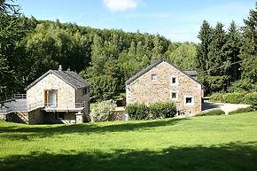 Vue de l'ensemble gîte Bansions les deux bâtiments