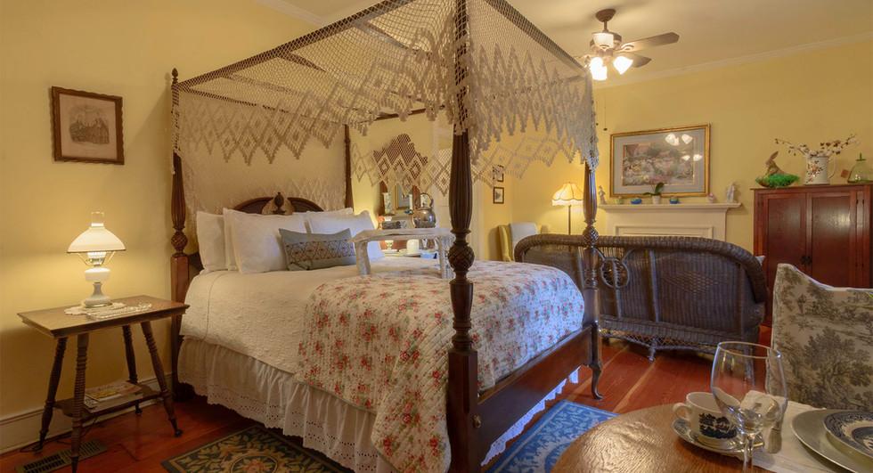 BedTable.jpg