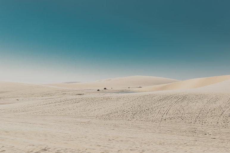 arid-barren-blue-sky-daylight-2147272.jp