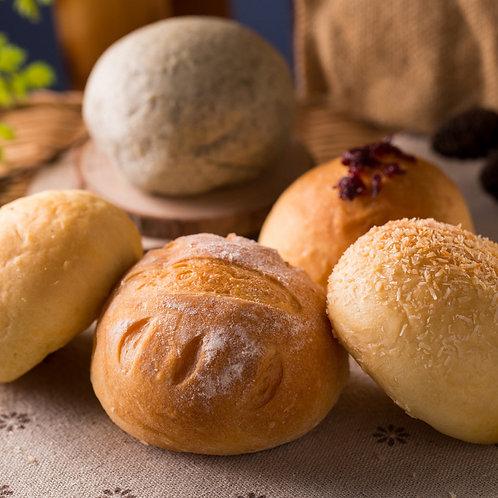 Свежевыпеченные булочки с ароматным маслом