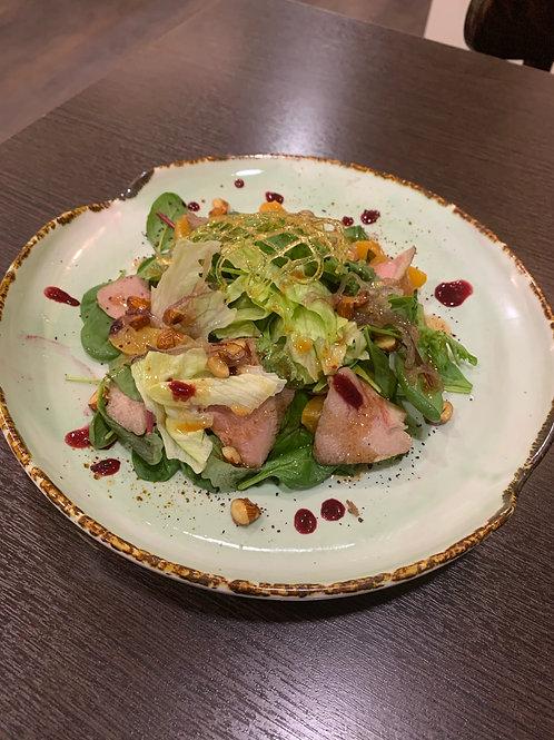 Салат с уткой и абрикосом