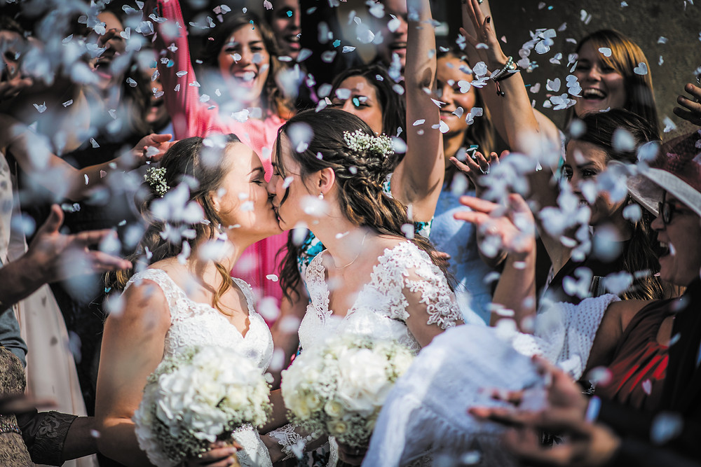 The world's first lesbian bridal magazine, Dancing With Her, is here.