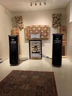Eon-Art Hi-Fi Listening Experience