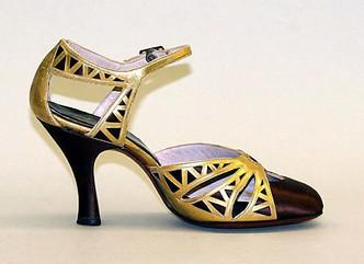 spacevintage,marseille,france,Femme escarpins de soirée, chaussures d'époque,talons haut ,vintage 1930