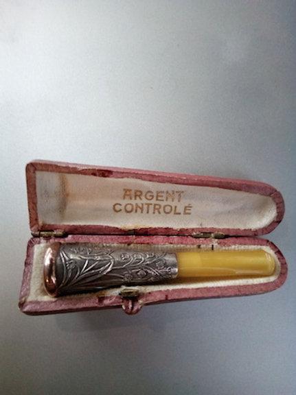 FUME CIGARIO BAKELITE cerclé OR ET ARGENT  VINTAGE 1900  PARFAIT ETAT NEUF