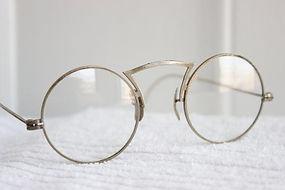 spacevintage,marseille,france,lunettes,Montres,bagues,bracelets,chaines,Homme vintage 1920