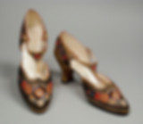 spacevintage,marseille,france,Sandale noir rouge et or soirée,talon bobine, Brodée vintage 1920