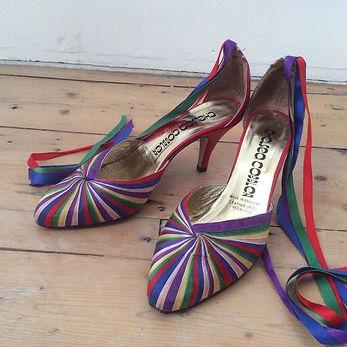 chaussures-femme-vintage-1970,sandales,escarpins,compensés,mules,chaussures,plateformes,sabots,bottes,bottines,spacevintage,marseille,stock-neuf-époque,pas-cher,mocassins,