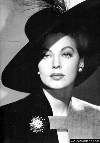 spacevintage,marseille,france,chapeaux, beret,toque,bibi,voilette,turbant, femme vintage 1940