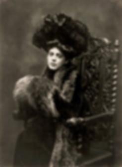 spacevintage,marseille,france,capelines,corsets,maillot-de-bain,lingeries,Manteaux,robes,veste-de-tailleur,manchons,col-fourrures,jupes,coiffe,Femme-vintage-début-du-siècle
