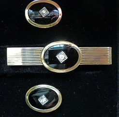 spacevintage,marseille,france,pince et épingle à cravate, en nacre, onyx, plaqué or, argent,homme vintage 1940