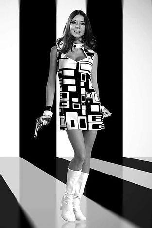 spacevintage,marseille,france,botte vinyl,robe trapèze,robe courrèges,spyckédélique,austin power,femme vintage 1960