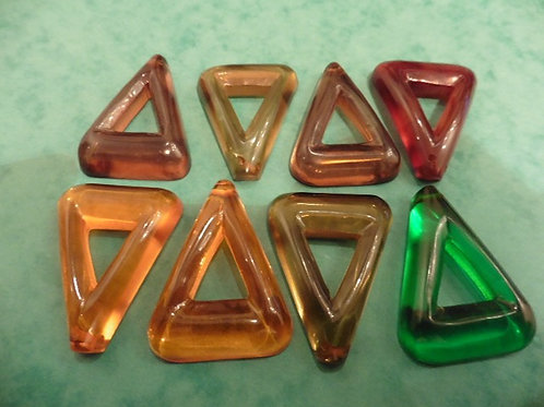 8 BOUTONS TRIANGLE VINTAGE 50 LUCITE TRANSLUCIDE VIEUX STOCK NEUF 43X32 MM