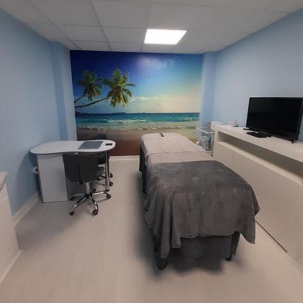 TOP EPSOM - Beauty room 4.jpg