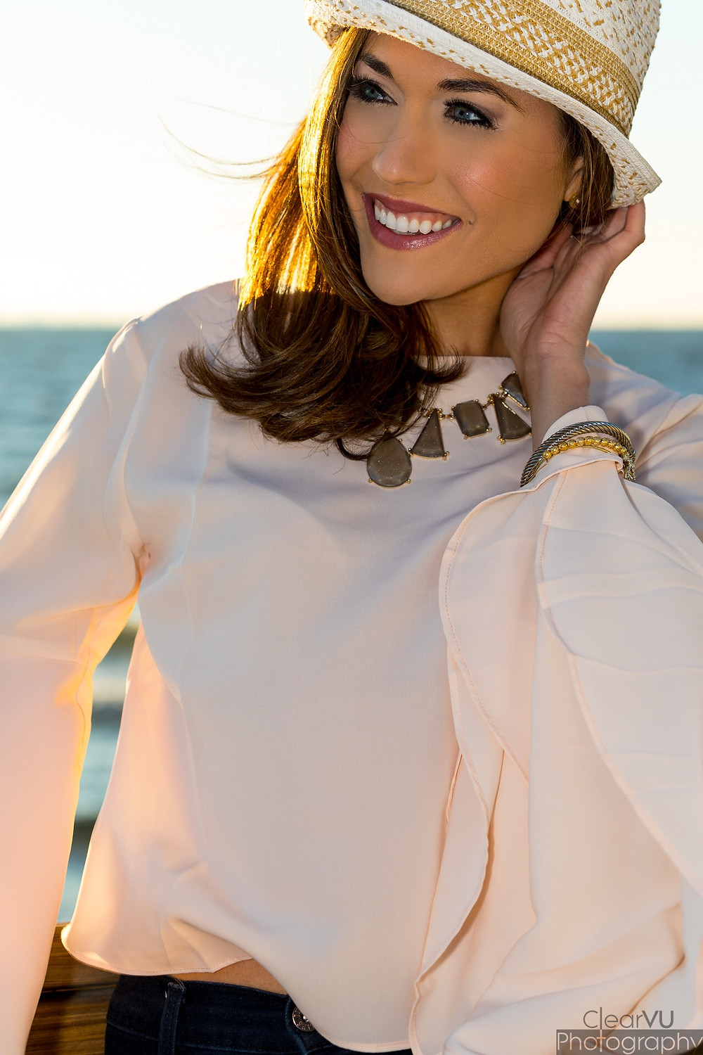 statement sleeve, bell sleeve, blush, bell sleeve blouse, fedora