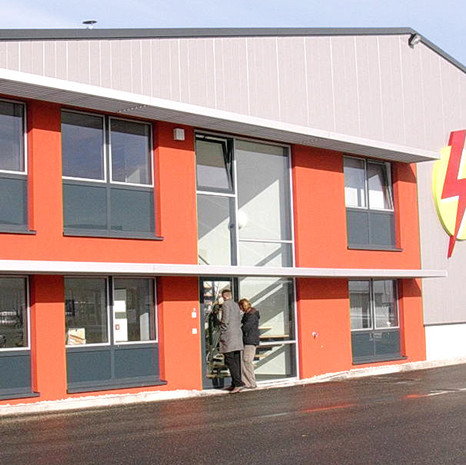Werksgebäude für Stromaggregate