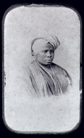 Mulher da Nação Africana Crioulo