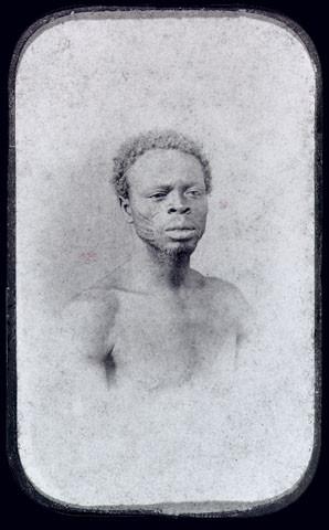 Homem da Nação Africana Olunan
