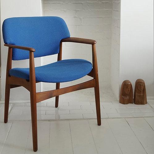 Fritz Hansen Model 4205 Chair