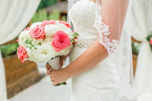 Roberts-BrownWedding brides bouquet.jpg