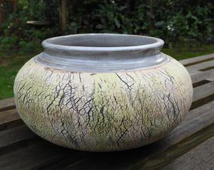 bark pot oval rounded.jpg