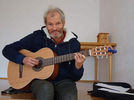 Ton met gitaar.JPG