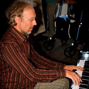 portret Lodewijk piano.jpg
