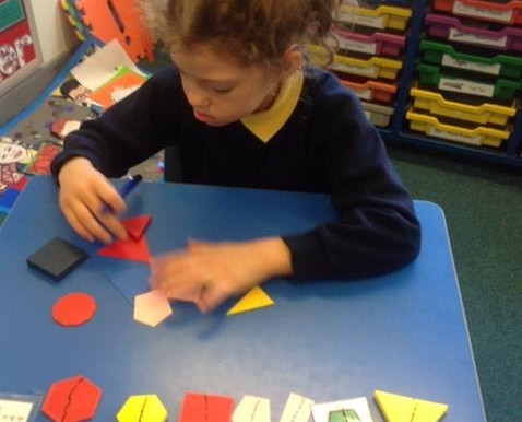 Y3 (Freesia Class) have been exploring 2D and 3D shape