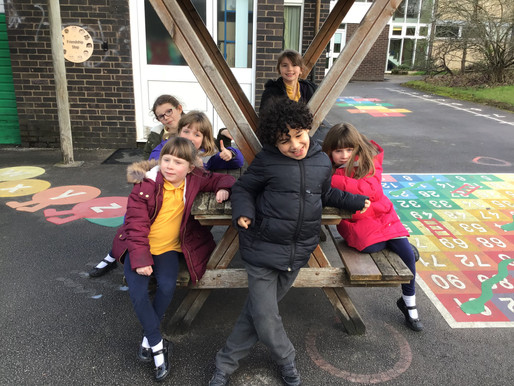 Year 2 Sweetpeas went on a wood hunt! We looked around the school to find things made of wood and ta