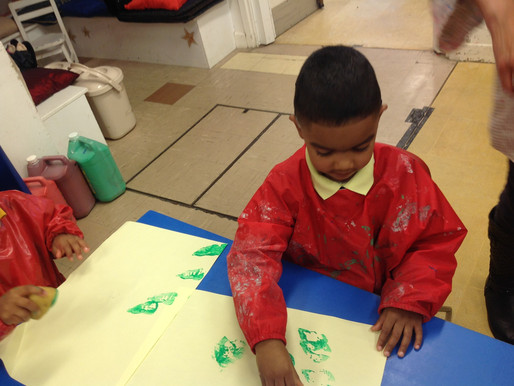Foundation pupils have been painting and printing to make their very own Pear Tree!