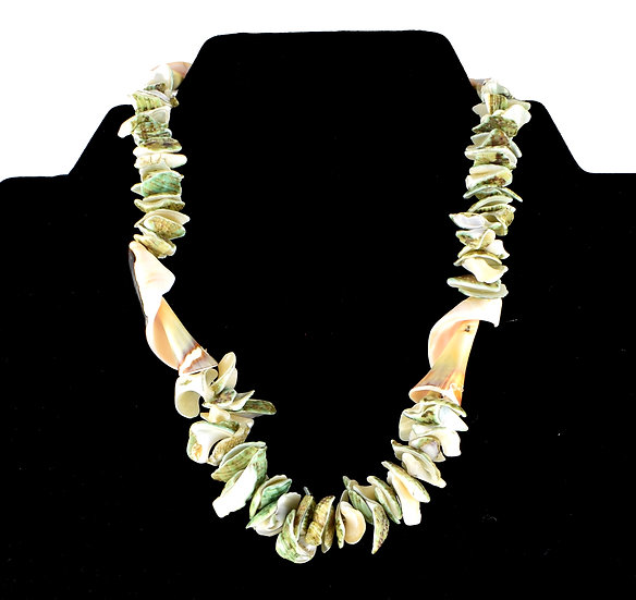Handmade shell necklace - style 1