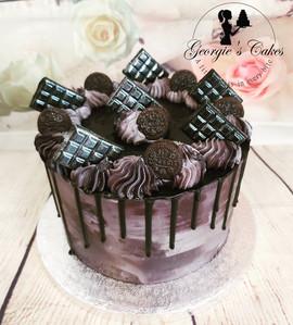 Black & gray dripcake - Georgie's Cakes.