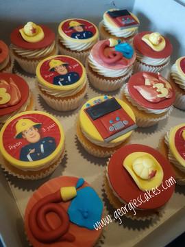 Brandweerman sam cupcakes.jpg