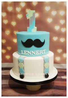 Georgie's Cakes 1e verjaardag taart mous