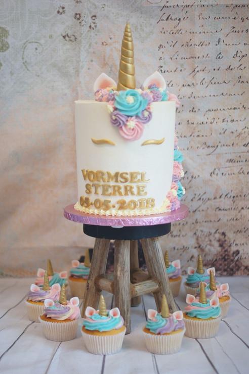 Georgie's Cakes unicorn vormsel taart en