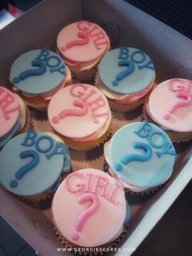 Gender reveal cupcakes.jpg
