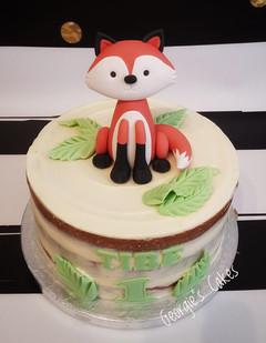 Naked cake fox 1st birthday.jpg